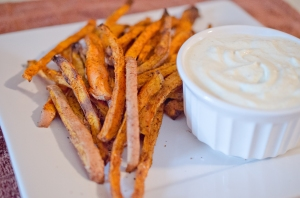 7-Spice Sweet Potato Fries w/ Curry Garlic Sauce